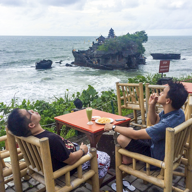 Chilling time Tanah Lot Bali