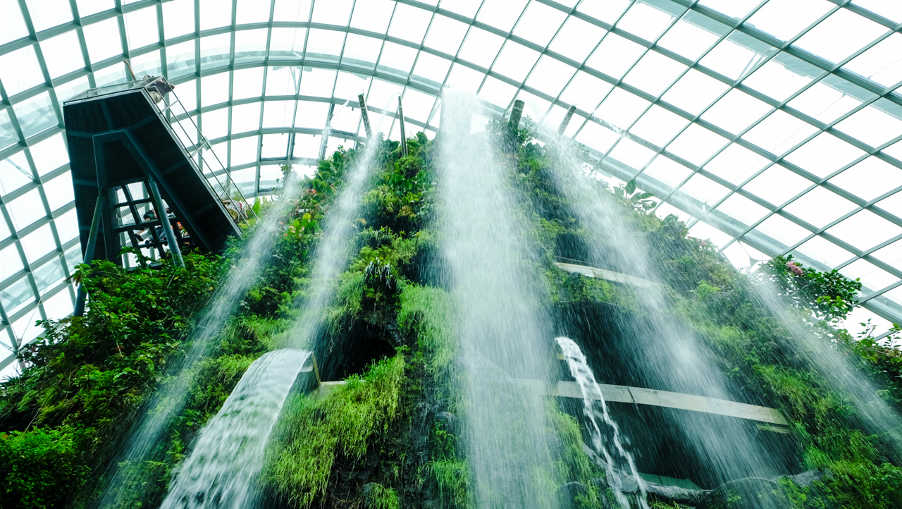 gardens-by-the-bay-singapore-waterfall-6