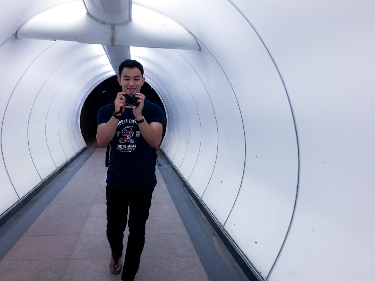 singapore-night-tunnel-5