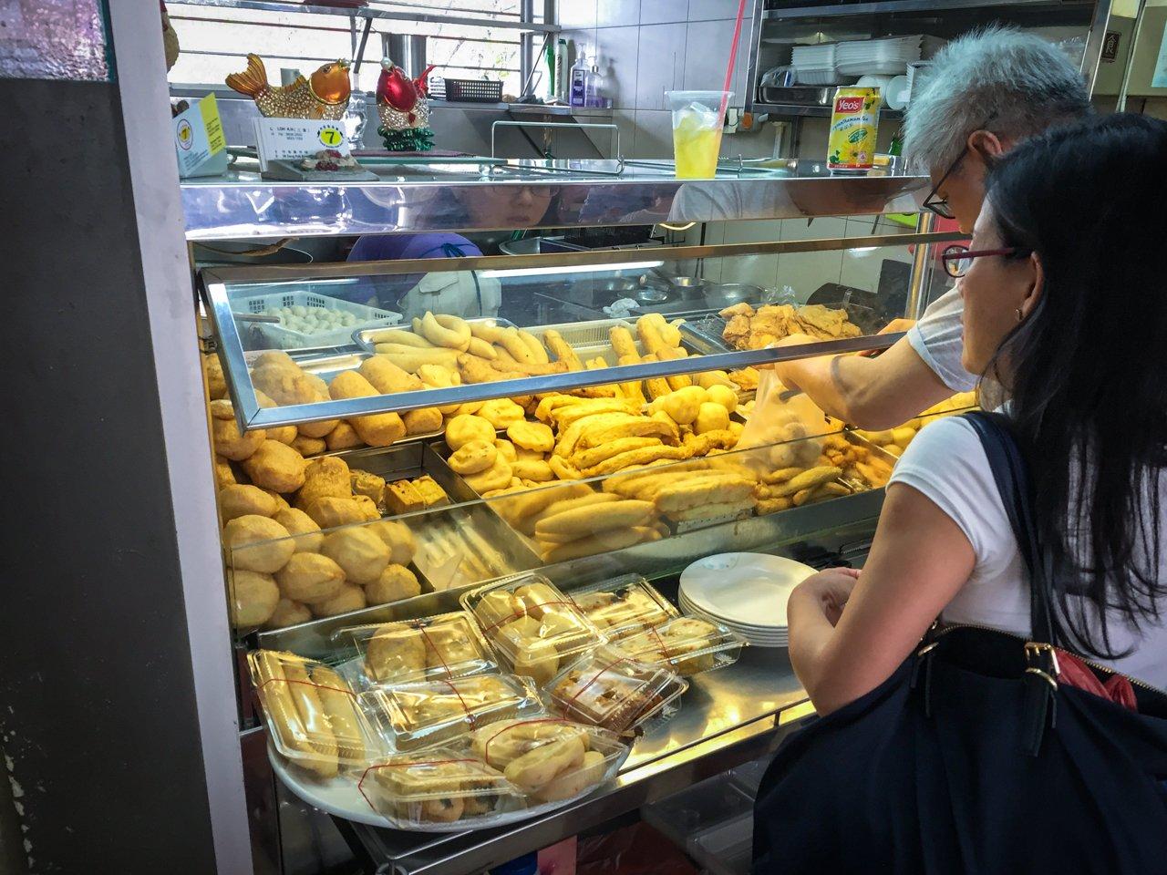 singapore-tiong-bahru-stalls-9